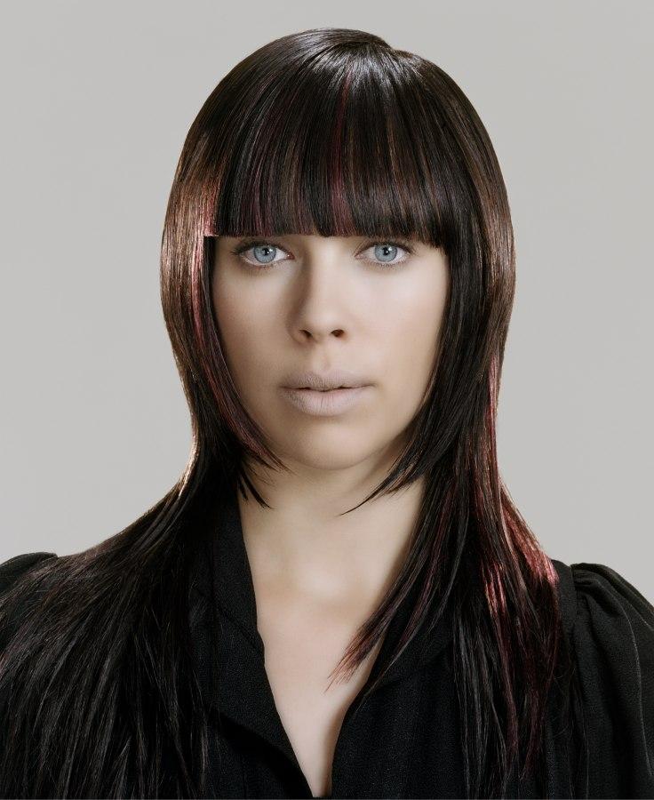 Mittellange Frisur Mit Fransen Lila Haarverlangerungungen Und