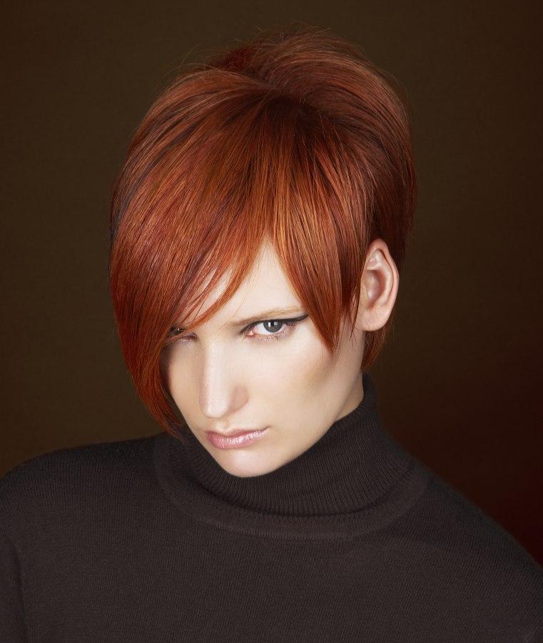 Frisuren Rot   Kurze Frisur In Rot Mit Bauschigem Oberkopf Kurzem Nacken Und