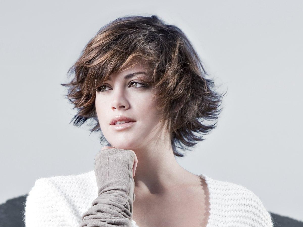 Hairstyles For Short Hair With Less Volume : Kurze Frisur mit Volumen und moderner Bewegung