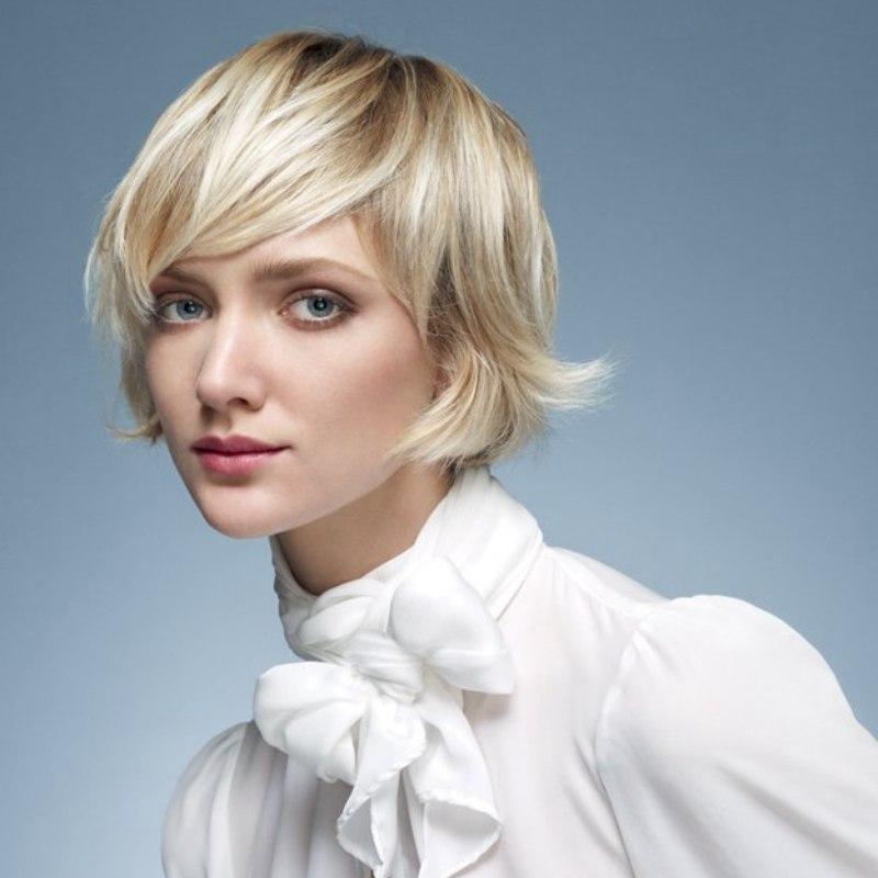 Wie Man Eine Weibliche Und Romantische Frisur Mit Kurzem Haar