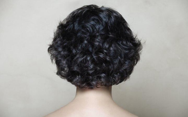 Naturlocken kurze haare bei Haarfrisuren Kurz