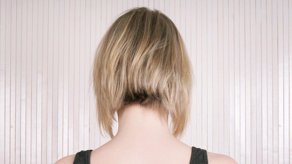 Den Nacken Saubern Mit Einem Elektronischen Haarschneider Die Wild