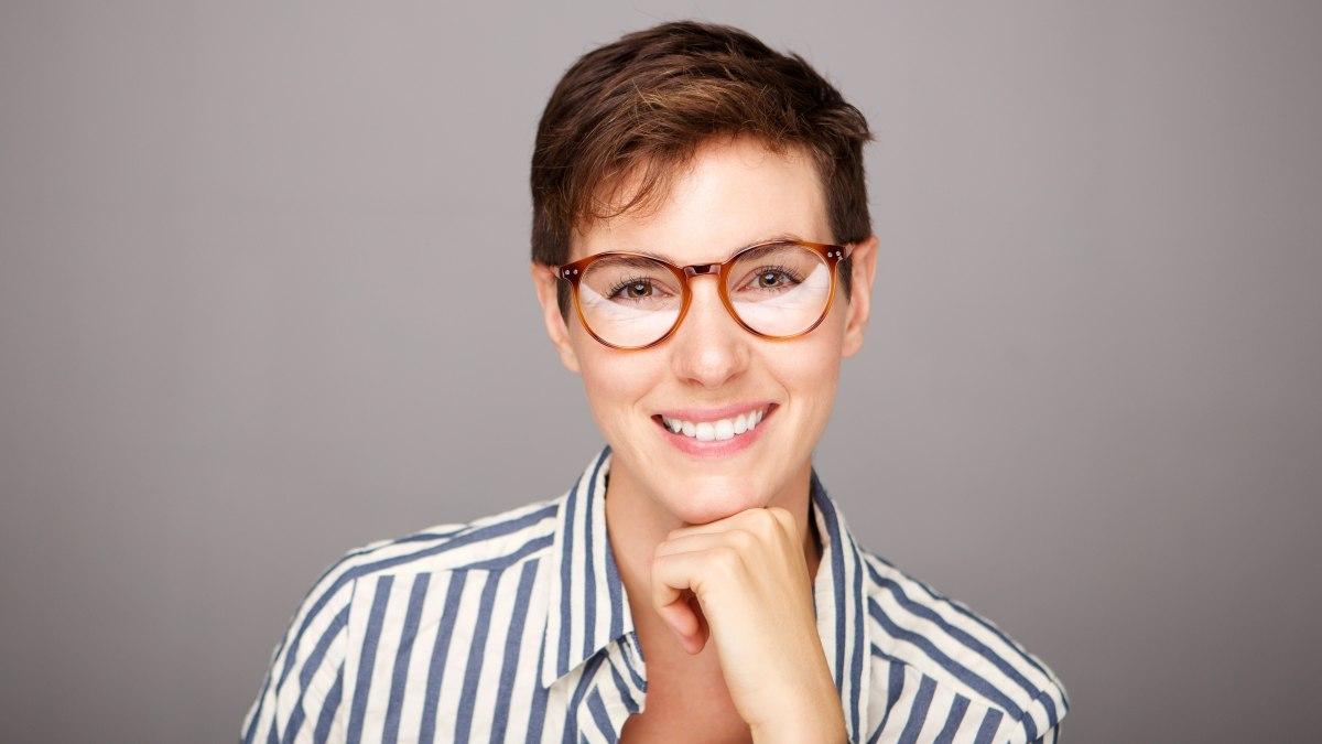 Kurzhaarfrisuren Damen Und Brille