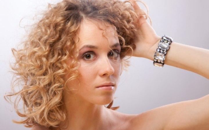 Locken stufenschnitt Beste Haarschnitte