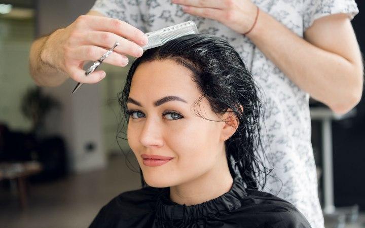 Das Mittel von potliwosti das Haar
